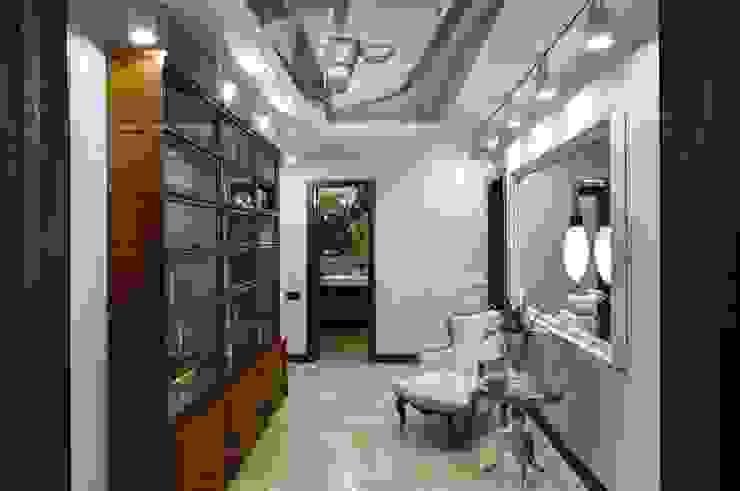 Студия дизайна интерьера в Москве 'Юдин и Новиков' Koridor & Tangga Modern