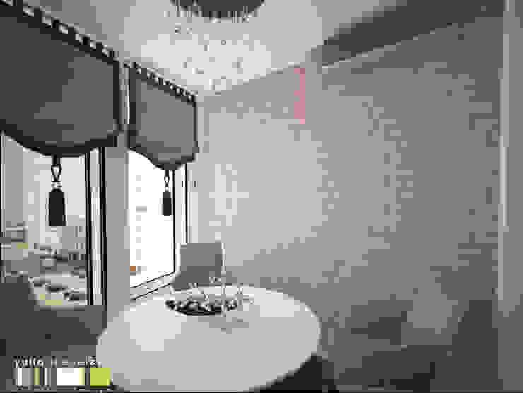 Balcones y terrazas de estilo ecléctico de Мастерская интерьера Юлии Шевелевой Ecléctico