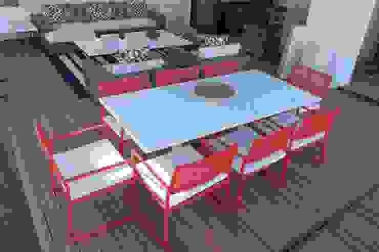 Paredes de estilo  por COBERTI , Mediterráneo Compuestos de madera y plástico
