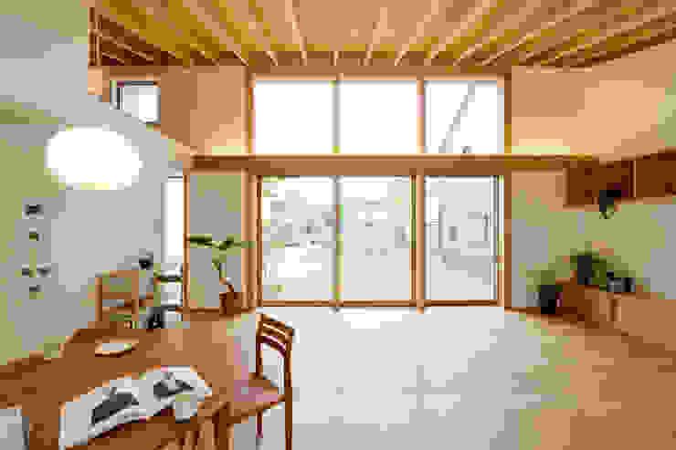 Moderne Wohnzimmer von スタジオグラッペリ 1級建築士事務所 / studio grappelli architecture office Modern
