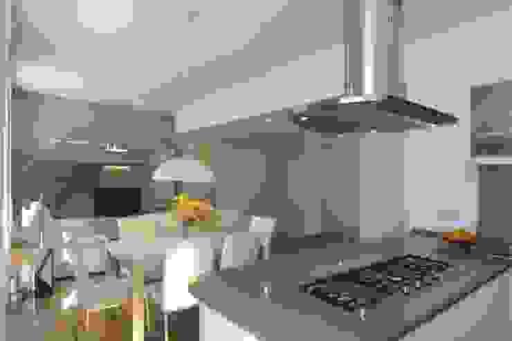 Cocinas de estilo minimalista de Laura Pistoia architetto Minimalista