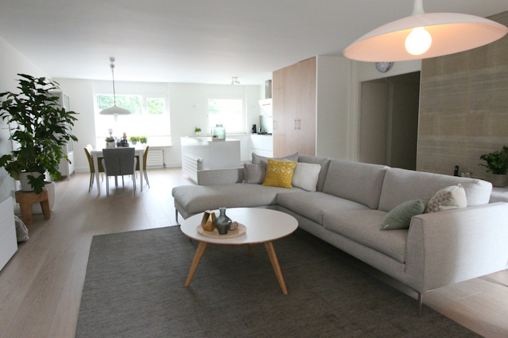 Compleet interieurontwerp met begeleiding en styling Moderne woonkamers van JO&CO interieur Modern