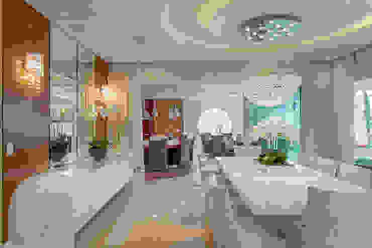 Casa Indaiatuba Designer de Interiores e Paisagista Iara Kílaris Salas de jantar modernas Branco