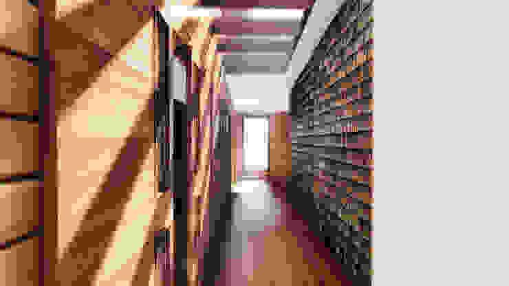 Pasillo Paredes y pisos modernos de GerSS Arquitectos Moderno