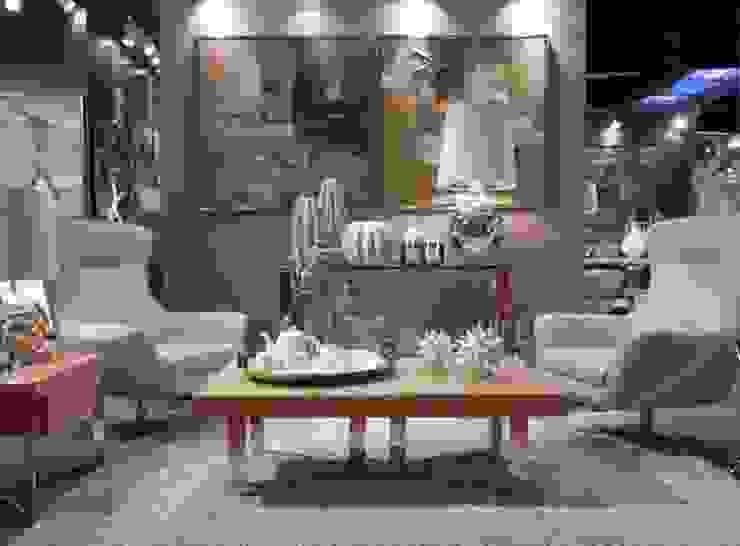 الممر والمدخل تنفيذ Intense mobiliário e interiores;,