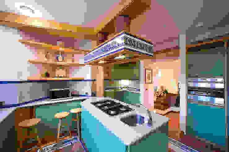 مطبخ تنفيذ Studio di architettura wirzarchitetti, حداثي