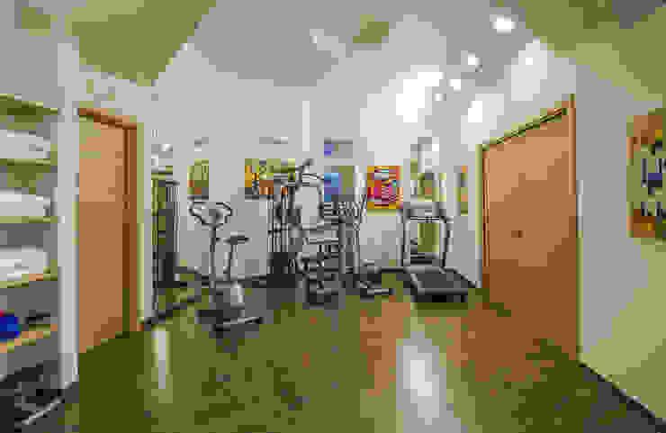 Villa Gioiello Moderner Fitnessraum von Studio di architettura wirzarchitetti Modern