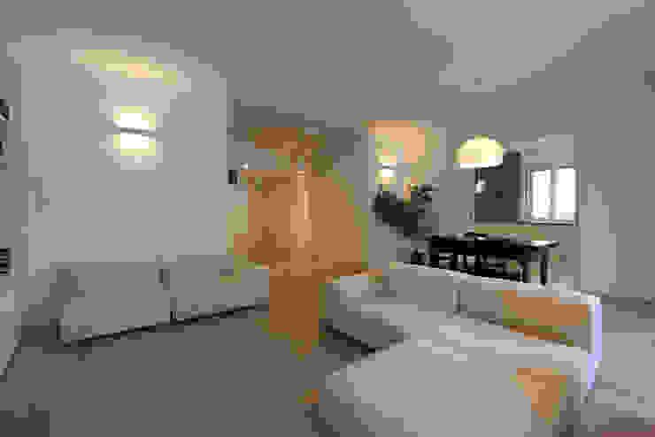 Moderne woonkamers van diegogiovannenza|architetto Modern