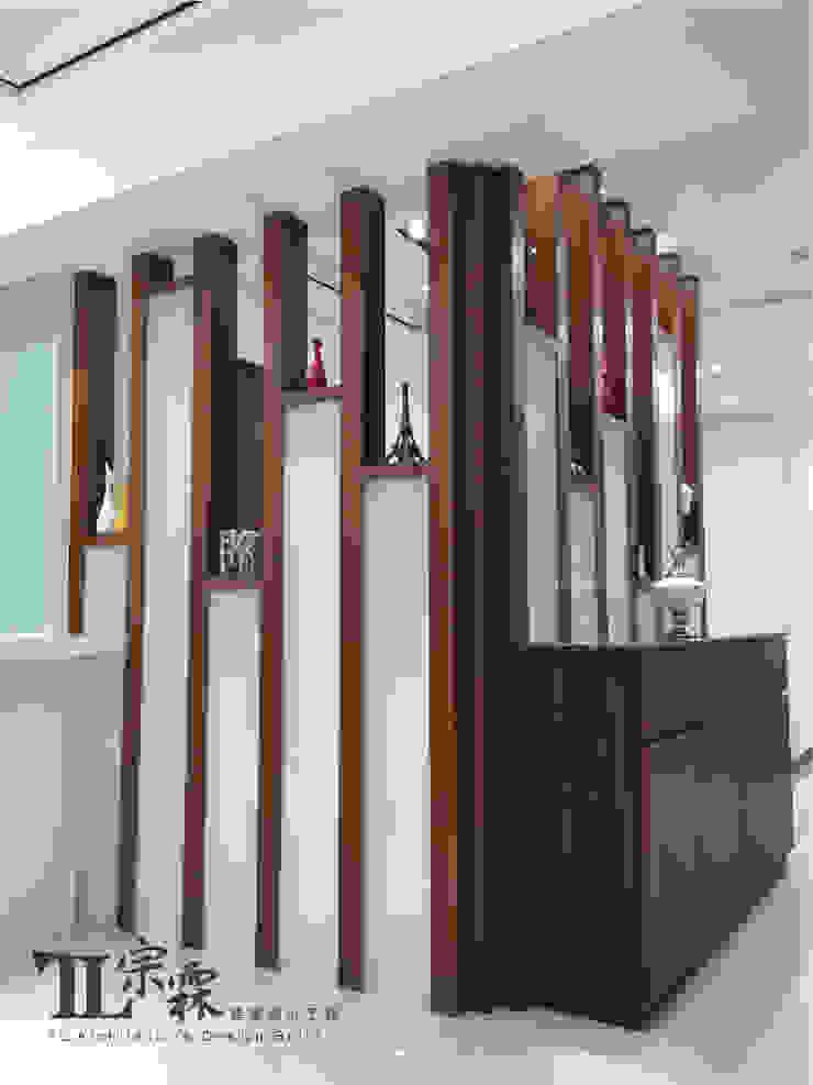 玄關端景造型 隨意取材風玄關、階梯與走廊 根據 宗霖建築設計工程 隨意取材風