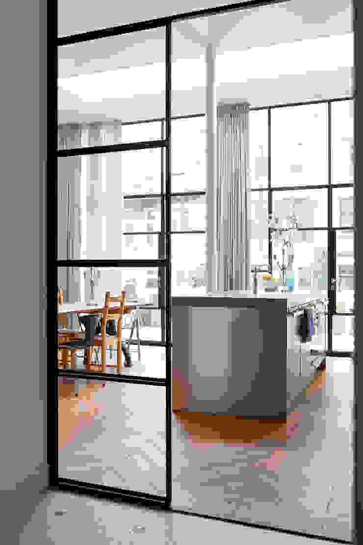 Herenhuis 1890, Amsterdam Moderne keukens van VASD interieur & architectuur Modern