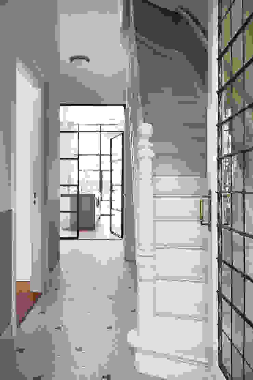 Herenhuis 1890, Amsterdam Moderne gangen, hallen & trappenhuizen van VASD interieur & architectuur Modern