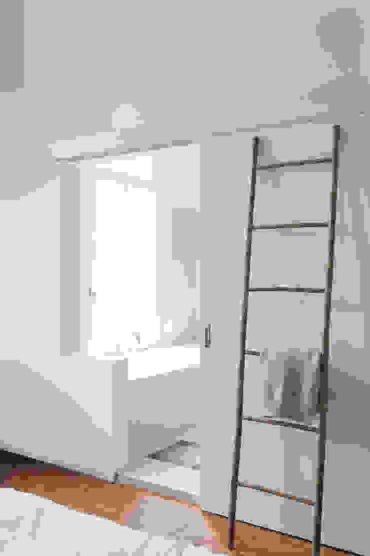 Modern bathroom by VASD interieur & architectuur Modern