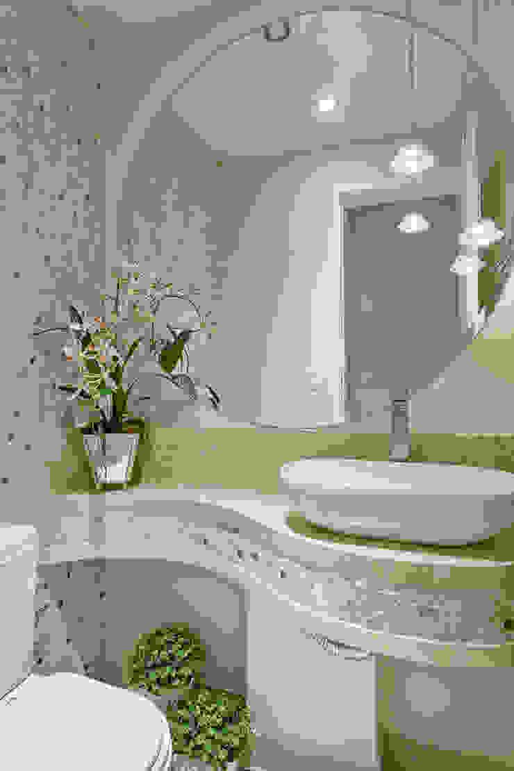 Apartamento Jundiaí Banheiros modernos por Designer de Interiores e Paisagista Iara Kílaris Moderno