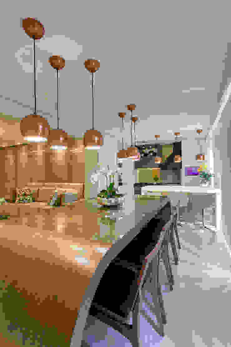 Apartamento Jundiaí Varandas, alpendres e terraços modernos por Designer de Interiores e Paisagista Iara Kílaris Moderno