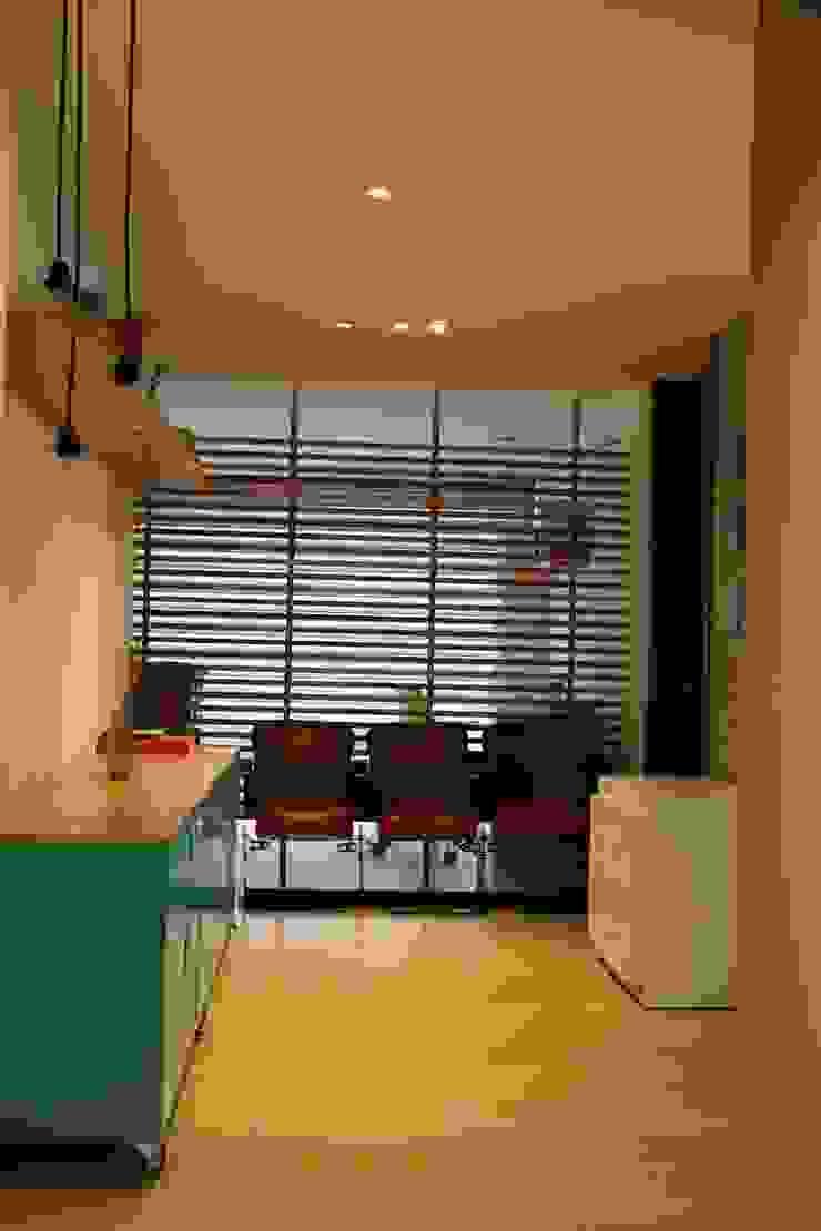 Paso Principal Pasillos, vestíbulos y escaleras de estilo moderno de KDF Arquitectura Moderno