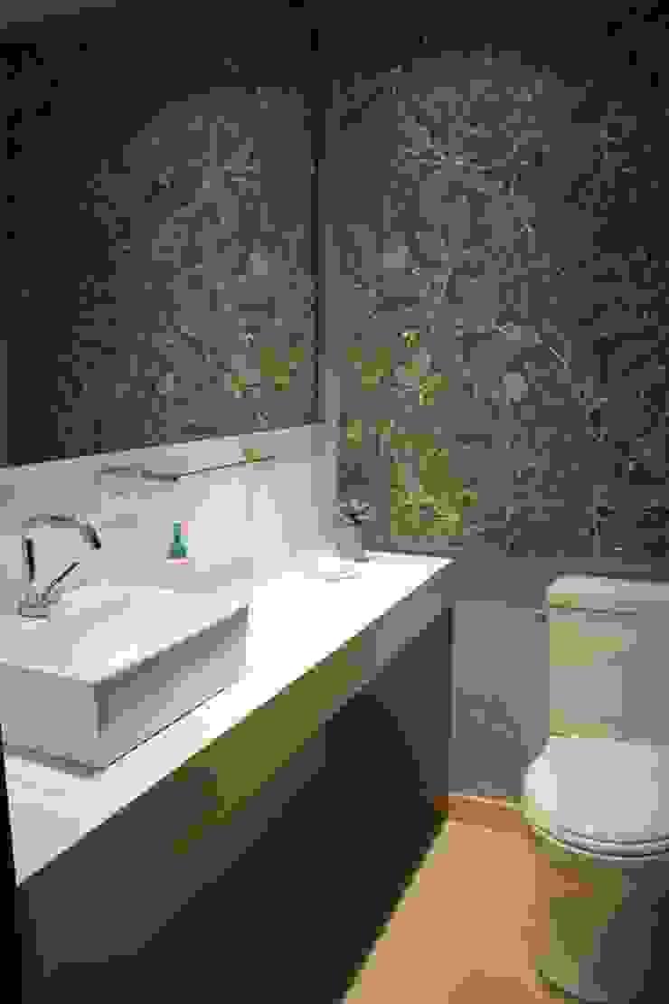 Modern bathroom by KDF Arquitectura Modern