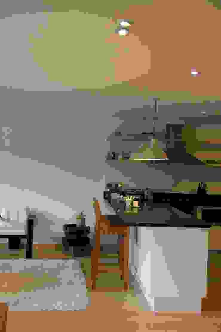 Modern kitchen by KDF Arquitectura Modern