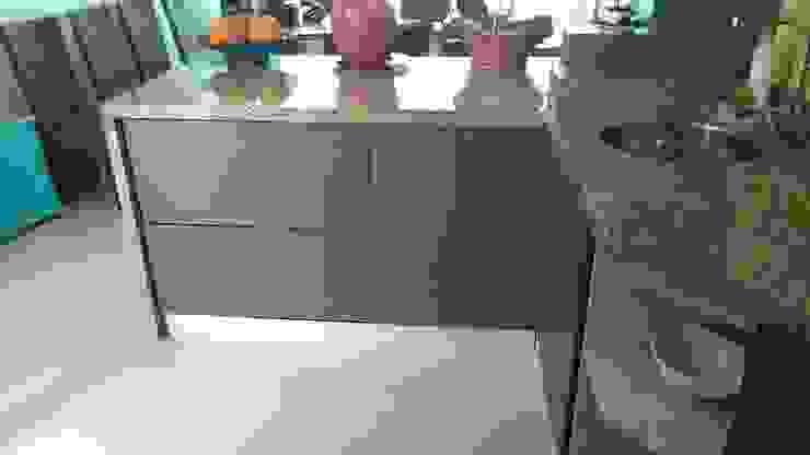 Grupo Moix SAS Modern Kitchen Granite Wood effect