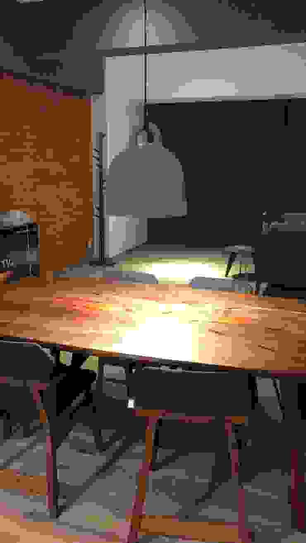 Pérgola y detalles interiores Dpto. JDLB116 Comedores modernos de Síntesis Arquitectónica ® Moderno