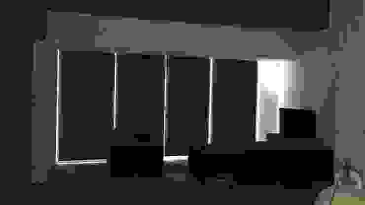 Colocación Persianas enrollables. Salones modernos de Síntesis Arquitectónica ® Moderno