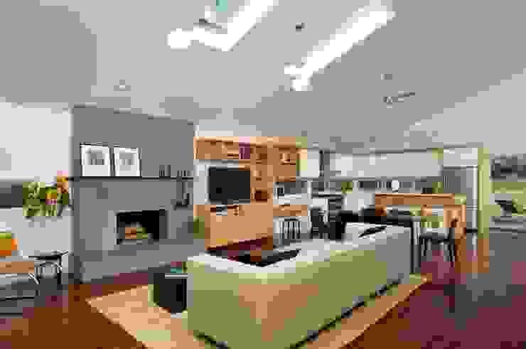 Whale Rock House Modern Living Room by Eisner Design Modern