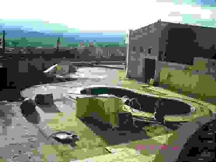 Ampliación piscina y quincho Piletas modernas: Ideas, imágenes y decoración de Valy Moderno Hormigón