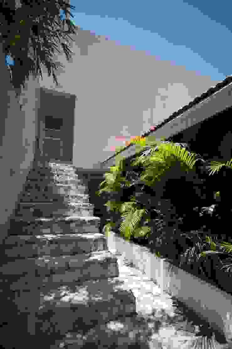 C-DIEZ Casas modernas de ARKHAM PROJECTS Moderno