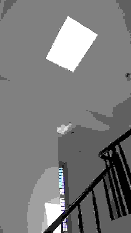 台南吾居 現代風玄關、走廊與階梯 根據 兆博建築 現代風
