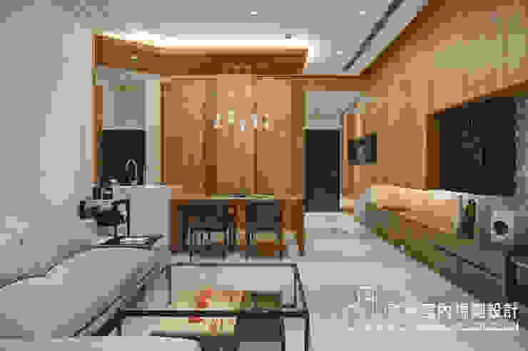 客廳、廚房 根據 哲嘉室內規劃設計有限公司 簡約風