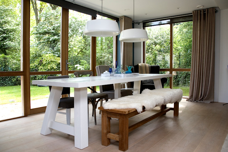 JE-ARCHITECTEN Modern dining room