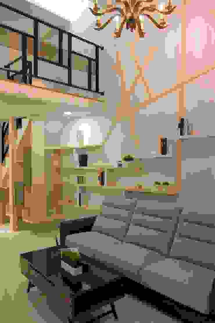竹北-李公館 现代客厅設計點子、靈感 & 圖片 根據 匠世室內設計有限公司 現代風