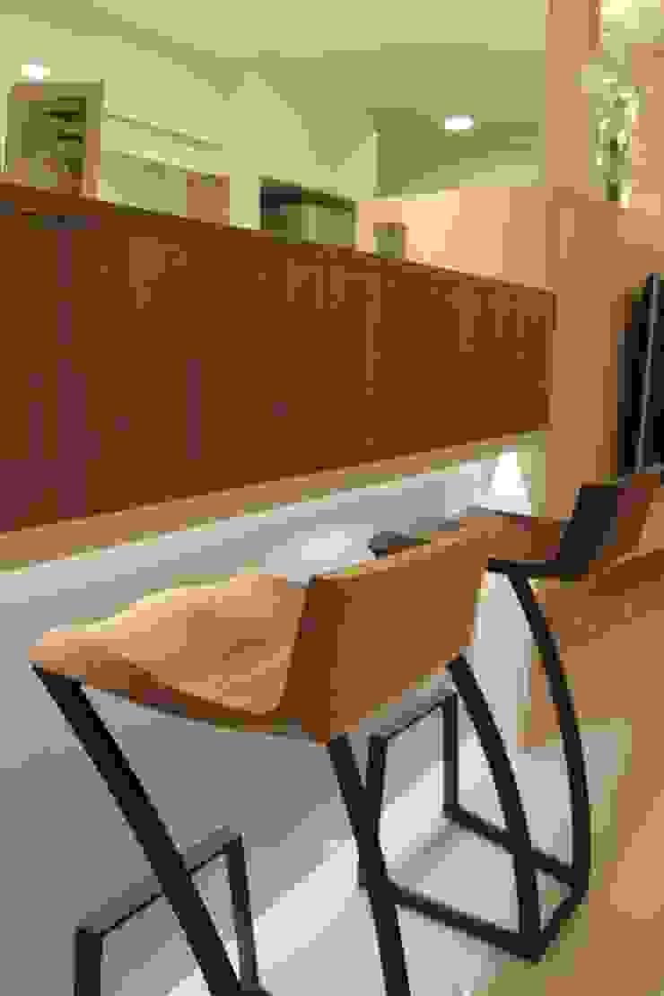 竹北-李公館 現代廚房設計點子、靈感&圖片 根據 匠世室內設計有限公司 現代風