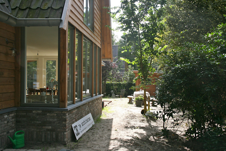 Jardins modernos por JE-ARCHITECTEN Moderno