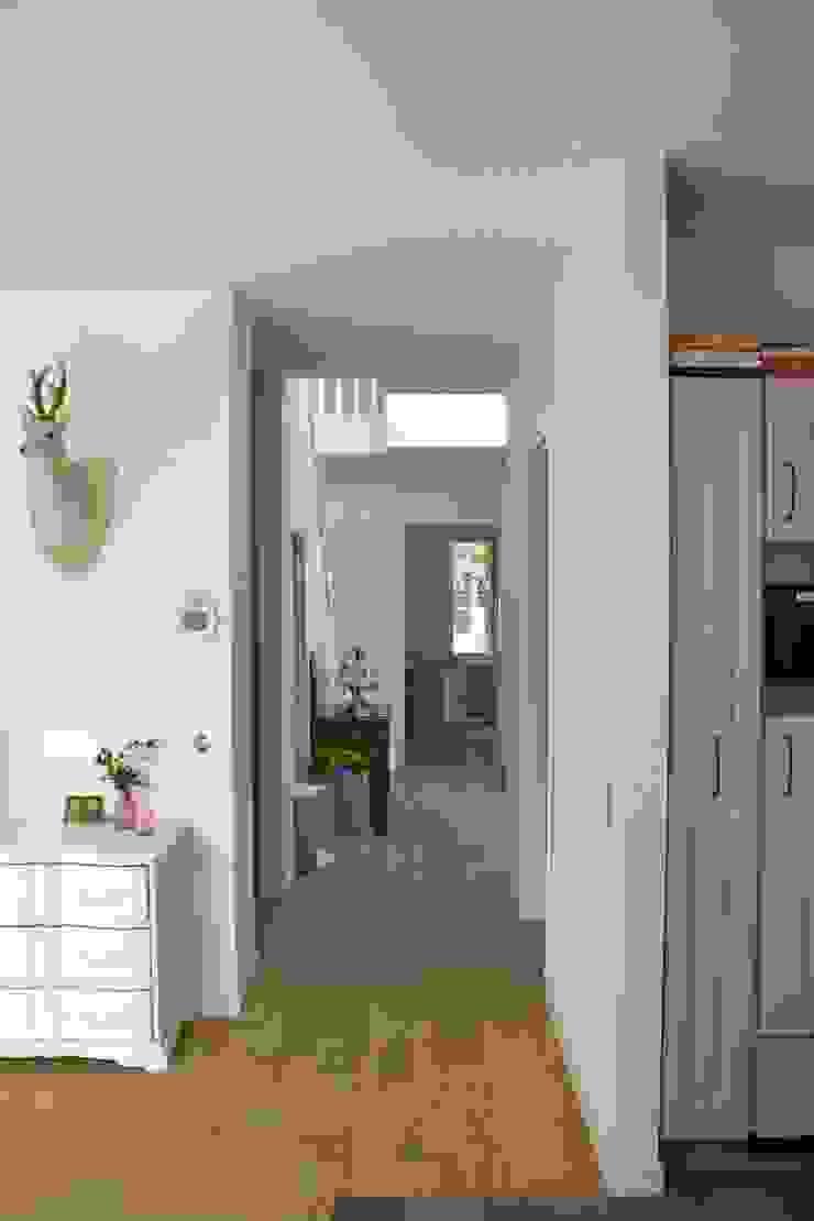 Reigerslaan Moderne gangen, hallen & trappenhuizen van JE-ARCHITECTEN Modern
