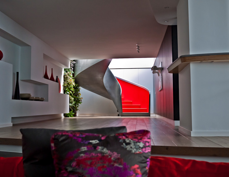 EeStairs | Stairs and balustrades Modern corridor, hallway & stairs Red