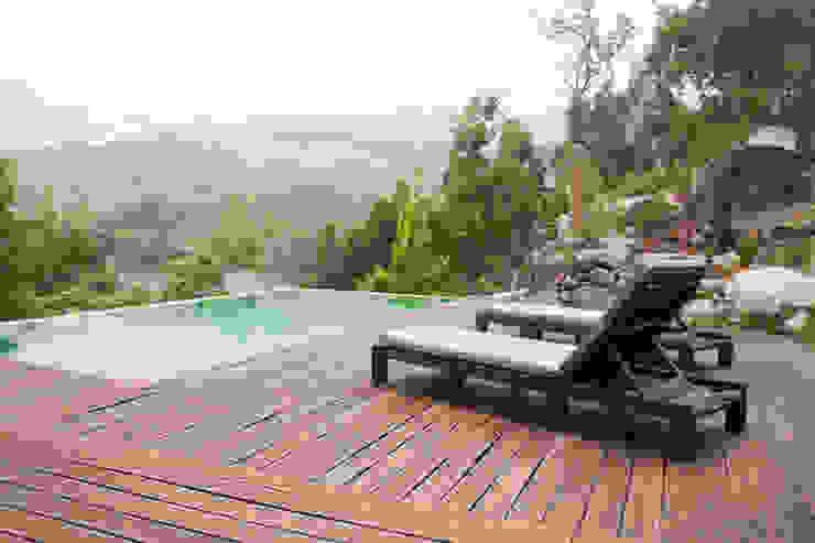 deck e piscina exterior A+ arquitectura Piscinas modernas