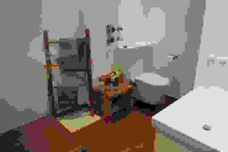 Cella GmbH Salle de bain moderne Tuiles Blanc