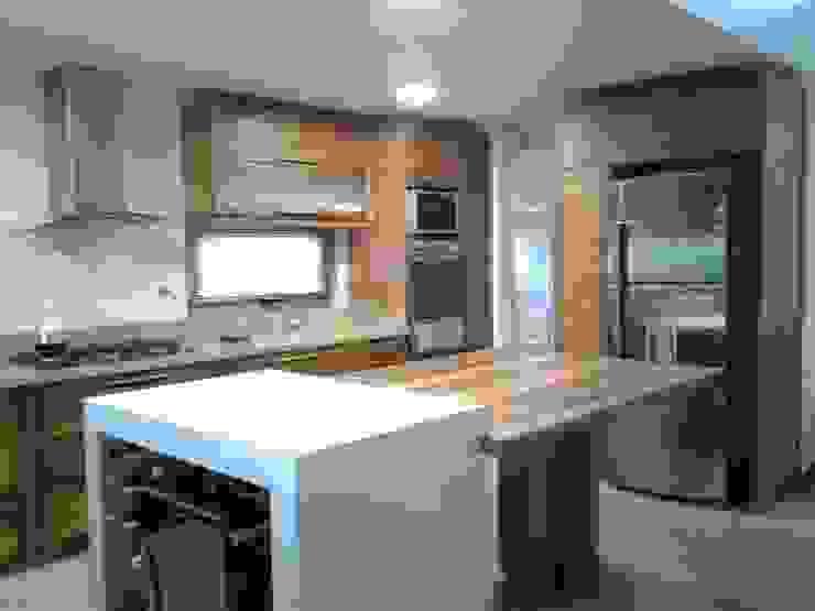 Viviendas Loteo Las Lavandas Cocinas modernas: Ideas, imágenes y decoración de Azcona Vega Arquitectos Moderno