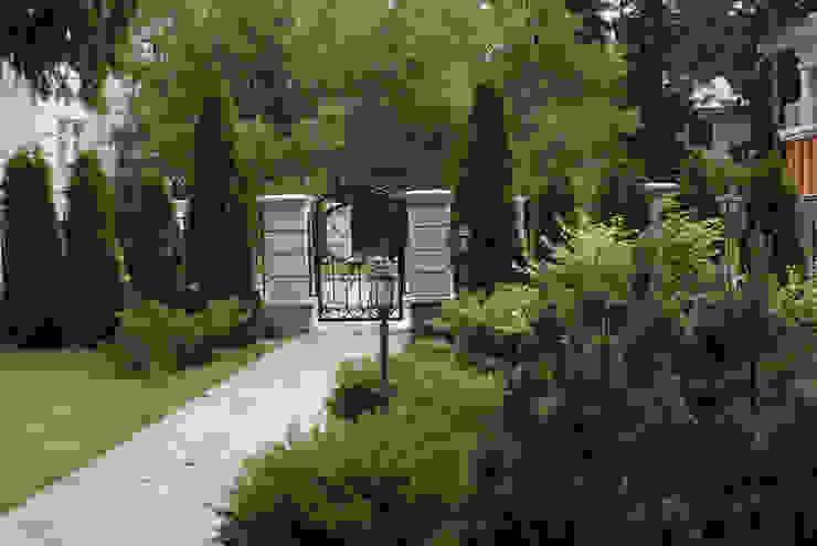Jardins clássicos por ПАН Ландшафт Clássico