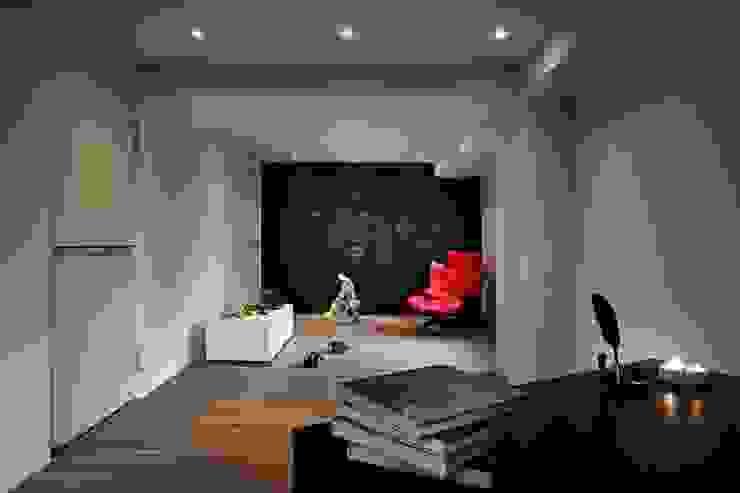 Nursery/kid's room by 晨室空間設計有限公司