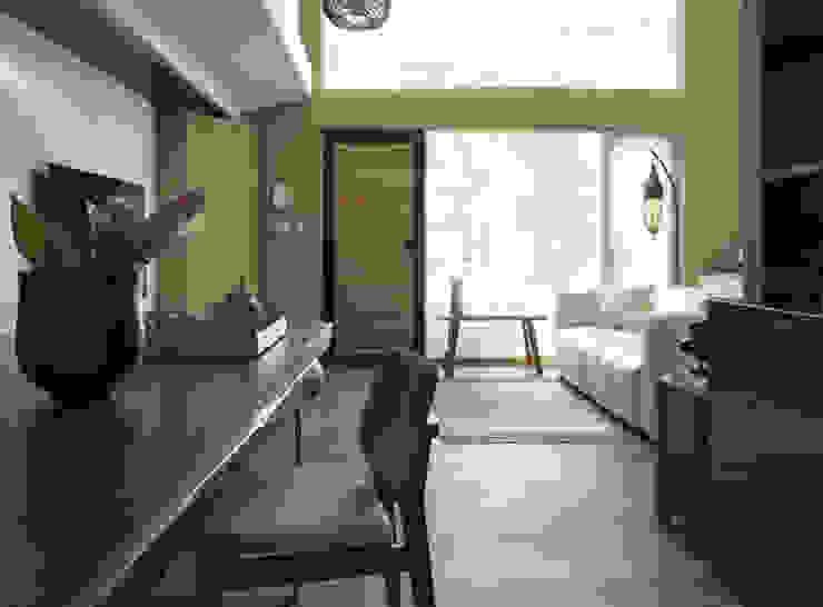 小小的森屋 隨意取材風玄關、階梯與走廊 根據 賀澤室內設計 HOZO_interior_design 隨意取材風