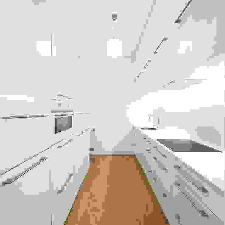 Tiago Filipe Santos - Arquitetura Cucina minimalista Bianco