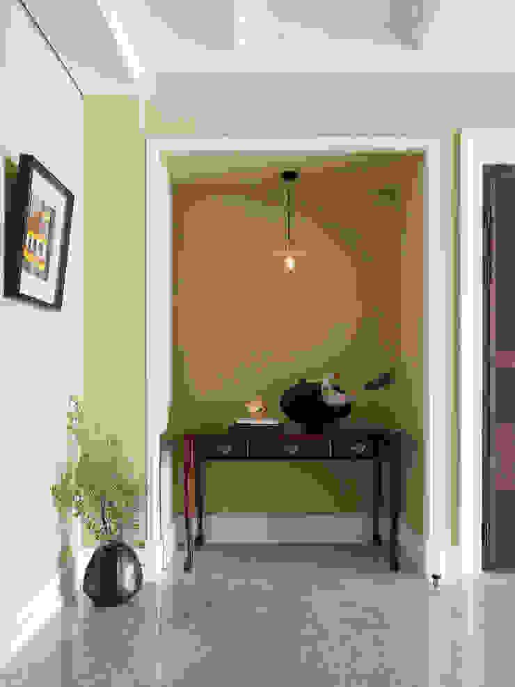 | L&C 住宅 | 隨意取材風玄關、階梯與走廊 根據 賀澤室內設計 HOZO_interior_design 隨意取材風