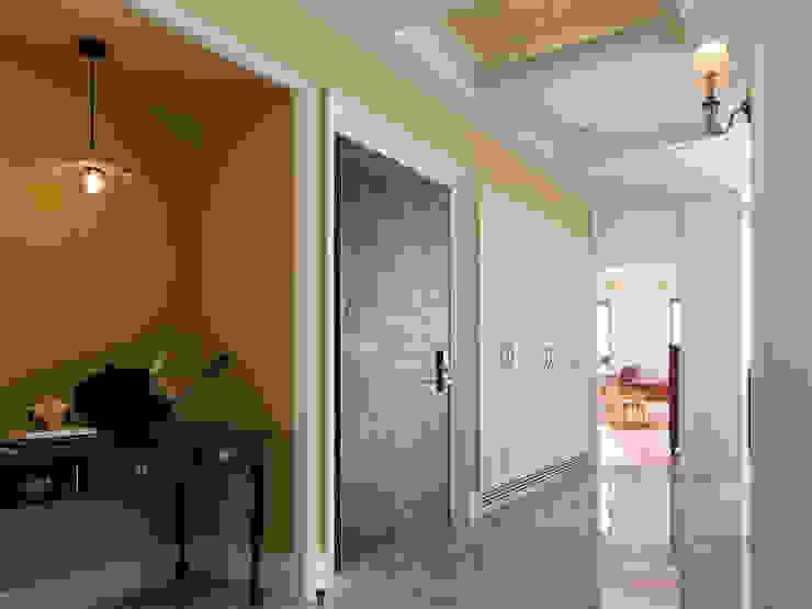 에클레틱 복도, 현관 & 계단 by 賀澤室內設計 HOZO_interior_design 에클레틱 (Eclectic)