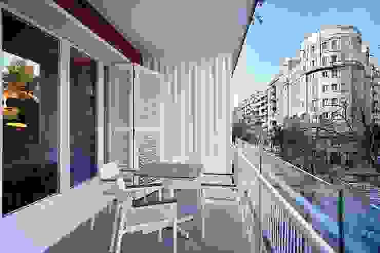 Terraza 02_BASSO Arquitectos Balcones y terrazas de estilo moderno