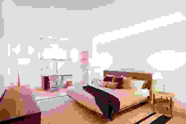 Camera da letto moderna di 02_BASSO Arquitectos Moderno
