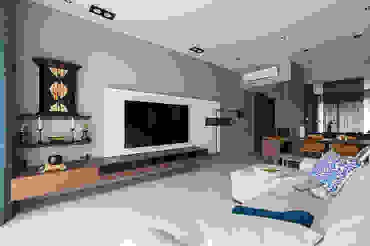 | Mr. coriander's home | 现代客厅設計點子、靈感 & 圖片 根據 賀澤室內設計 HOZO_interior_design 現代風