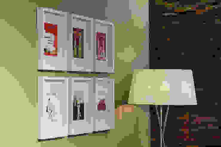 O nosso Showroom Lojas e Espaços comerciais modernos por Alma Braguesa Furniture Moderno