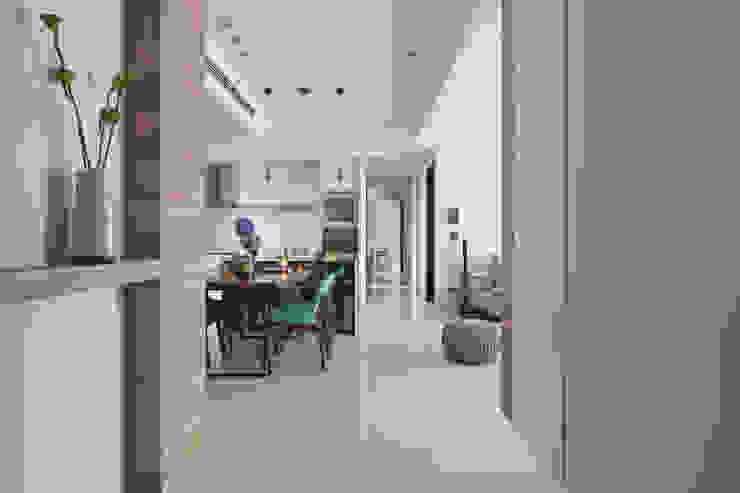 Koridor & Tangga Modern Oleh 賀澤室內設計 HOZO_interior_design Modern