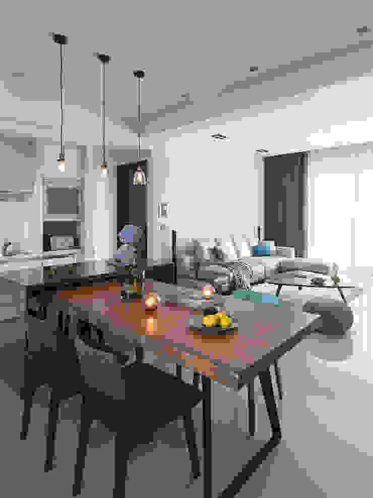|坤山TC宅| 根據 賀澤室內設計 HOZO_interior_design 現代風